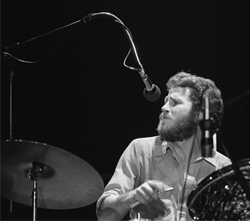Levon_Helm_with_drums